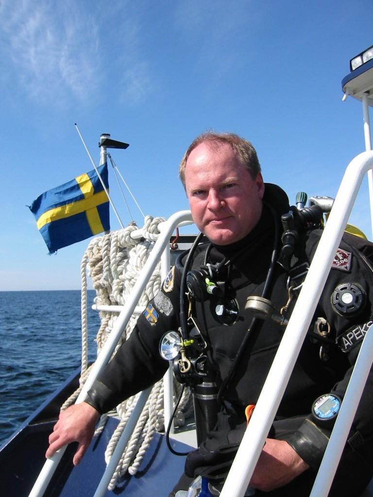 Författaren efter dyk på den sovjetiska ubåten S7 i Åland hav 1998