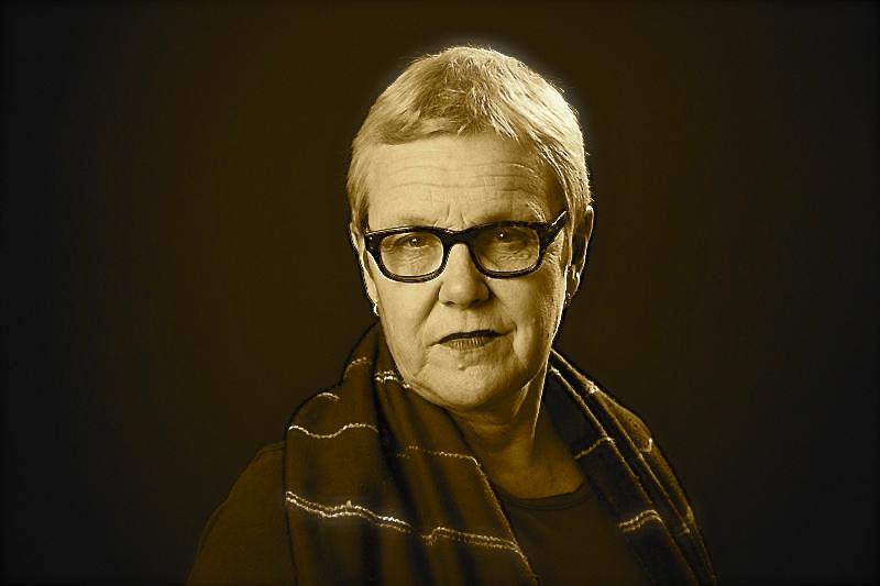 Elle-Kari Höjeberg, SR